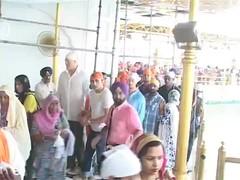 Flying Jatt At Harmandir Sahib (Sikh_Voices) Tags: sikhs punjab punjabi sikhvoices