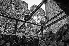 Kamenick hrad / Zmeck vrch  529m (trekkpics) Tags: esk kamenice esk stedoho bhmisches mittelgebirge cz schsische bhmische schweiz vcarsko dresden praha prag tschechien sachsen bad schandau nationalpark bahnhof bastei lilien stein lichtenhainer wasserfall kirnitzschtal bahn gebirge reise travel wandern berg luchs gehege personen aufzug felsen gipfel kreuz ceske drahy deutsche eisenbahn hauptbahnhof nadrazi drhy d ndra bahnanlage schienen lok zug rail train railroad road tracks strassenbahn tram