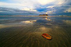 IMG_7633 ~ demi masa (achem74) Tags: sky clouds sea beach coast morning sunrise landscapes seascapes shorelines cloudscapes balok kampungbaluk beserah kuantan pahang malaysia tourismpahang visitpahang travel places trip canon canoneos700d eos700d achem74 canonlens 10mm18mm efs10mm18mm wideangle