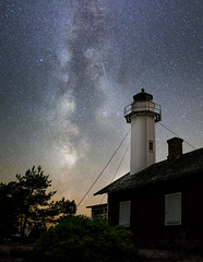 Lighthouse (Danne Rydgren) Tags: vrmlandsln sverige se milkyway stars lighthouse milky way galaxy nightphotography nightshot night longexposure