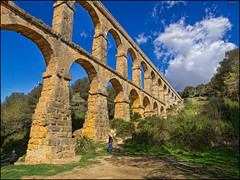 (1491) Pont del Diable (QuimG) Tags: paisajes architecture geotagged golden landscapes arquitectura olympus catalunya tarragona gettyimages paisatges pontdeldiable specialtouch quimg quimgranell joaquimgranell afcastell obresdart gettyimagesiberiaq2