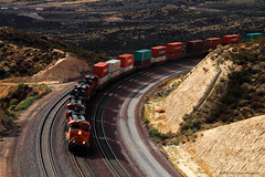 Colorful Containers Crossing Cajon (SP8254) Tags: california railroad train diesel engine rail locomotive southerncalifornia ge bnsf sangabrielmountains generalelectric freighttrain sanbernardinocounty burlingtonnorthernsantafe sanbernardinomountains cajonpass gevo bnsfrailway bnsfrailroad containertrain burlingtonnorthernsantaferailroad es45dc bnsf7535