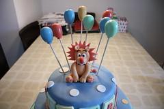 Animal cake (SomeGuyMakingCakes) Tags: cake balloons snake caketopper fondant gumpaste christeningcake babyshowercake playblocks animalcake lioncake animalthemecake gumpastelion lioncaketopper