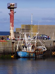 Harbour decay @ Amlwch (DizDiz) Tags: uk wales island fishingboat anglesey april2009 olympusc720uz