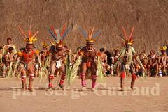Kuikuru (serge guiraud) Tags: brazil portrait festival brasil amazon para tribal exhibition exposition xingu tribe ethnic matogrosso jabiru tribo brsil plume amazonia tribu amazonie matis amazone etnic amrique xavante asurini amrindien etnia kaiapo gaviao kuarup ethnie yawalapiti kayapo javari kuikuro xerente peinturecorporelle kalapalo karaja mehinako kamaiura yawari artamrindien sudamrique tapirap peuplesindigenes povoindigena parcduxingu parquedoxingu sergeguiraud jabiruprod expositionamazonie artdelaplume artducorps bassinamazonien amazonstribe amazonieindidennecom basinamazonien zo hetohoky parqueindidigenadoxingu jungletribes populationautochtones indiendamazonie