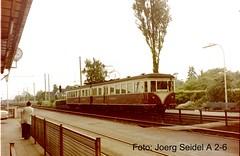 D-50999 Köln-Sürth Bahnhof KBE-Triebwagen EMU/ET 32 (Westwaggon 1936)  im Juni 1975 (Joerg Seidel) Tags: bonn cologne eisenbahn köln emu et tramway a2 linde wesseling marienburg kölndeutz sürth elektrotriebwagen strasenbahn westwaggon et32 köln1975 kbe1975 kölnbonnereisenbahnenag waggonfabrikwestwaggon lindesürth
