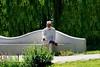 Middag overpeinzing (Roel Wijnants) Tags: roelwijnants roelwijnantsfotografie roel1943 djellaba جلابة kufi gelovig denken rust overpeinzing kleding wit sandalen moslim muzelman