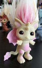 gargirl1 (meimi132) Tags: zelfs zelf series6 cute adorable trolls gargirl gargoyle yellow pink stone wings