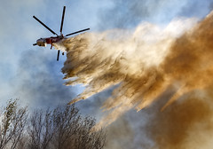 Helitanker Drops on the Blue Cut Fire (Dave Toussaint (www.photographersnature.com)) Tags: wildland wildlandfire helicopter smoke fire water cajonpass vegetationfire bluecutfire historicroute66 route66 airdrop helitanker google getty explore interesting interestingness cc creativecloud photoshop adobe topazlabs denoise riverside riversidefiredepartment rivfd rfd vehiclefire carfire flame hose fireengine firetruck inlandempire socal southerncalifornia california ca usa canon 5dmarkiii photo photographersnaturecom photographer picture 2016august davetoussaint