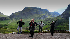 DSC_2620 (iggythump) Tags: glencoe scotland scottishhighlands bagpipes bagpiper highlanddancers fling