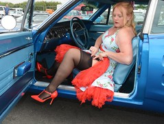 Ange L'Que_8766 (Fast an' Bulbous) Tags: mopar muscle car vehicle automobile fast speed power girl woman milf mature stockings high heels stilettos santa pod england nikon d7100 gimp nylons