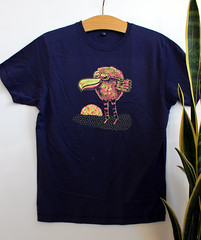 kuhlbert pink (happypill.de) Tags: tshirt illustration siebdruck screenprint sitodruk bird vogel raster yellow pink pflanze