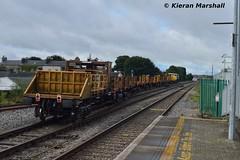 CWR Train at Portlaoise, 5/9/16 (hurricanemk1c) Tags: railways railway train trains irish rail irishrail iarnród éireann iarnródéireann portlaoise 2016 generalmotors gm emd 071 074 0900heustonportlaoise cwrtrain