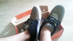 skate or try (nicolae_andrei_popa) Tags: skate shoes fashion globe appleyard box unpack new black green