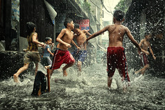 Tondo, Manila - We are still having fun in the Monsoon flood :-) (Mio Cade) Tags: rain monsoon thunder thunderstorm storm flood streetphotography street social bath shower boy girl children kid fun run wet manila philippines tondo