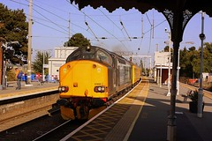 Give us a lift at Manningtree (Chris Baines) Tags: drs 37602 platform 2 manningtree essex network rail test train