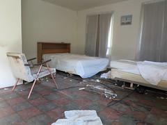 inside the Y Motel (rickele) Tags: hoquiamwashington graysharborcounty usroute101 ushighway101 ymotel outofbusiness vacant abandoned urbex roadsidemotel