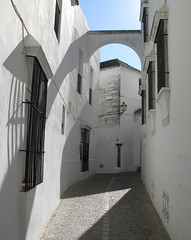 Arcos de la Frontera, Andalucia, Spain (Hunky Punk) Tags: windows espaa streets andaluca spain iron empty lamps guards andalusia espagne deserted spagna espaola pueblosblancos whitetowns arcosdelafrontera hunkypunk spencermeans