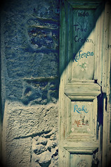 Old Rethymno (bene_romani) Tags: door greek town europa europe mediterranean mediterraneo village streetphotography hellas creta greece grecia crete porta streetphoto rethymno kriti greekisland kafeneio flickraward cretankafeneio rethymnooldcitycentre