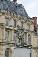 Château de fontainebleau (anastriana) Tags: sculpture france castle monument statue architecture nikon architecturaldetail statues sigma monuments château sculptures fontainebleau architecturephotography d7000