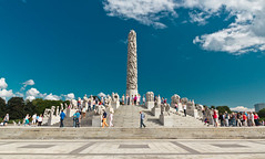 High Season at the Frogner Park, Oslo (Maria_Globetrotter) Tags: park sculpture art oslo norway museum architecture design norge day norwegen skulptur tourist konst clear gustav worlds noruega frogner frognerparken phallic arrangement phallus attraction largest vigeland noorwegen turist turister gustavvigeland vigelandsanlegget skulpturer hovedgrd