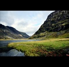 Loch Achtriochtan (joeri-c) Tags: uk mountain lake scotland highlands nikon gimp glencoe loch nikkor rivercoe westhighlands scottishhighlands digikam 1685 achtriochtan d5000 lochachtriochtan 1685mm glenofweeping nikkor1685 nikkor1685mm nikond5000 gleanncomhan