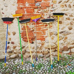 Brooms Up (! . Angela Lobefaro . !) Tags: valdengo castle broom brooms besen scopa scope dust bricks mattoni stones cobblestones cleaning pulizie biella biellese italy italia piedmont piemonte collection collezione pulizia clean grass weeds weed hexen streghe strega witcht witchtes witches witche hexe bruja brujas sorcires sorcire polvere sweepup sweep sweeps