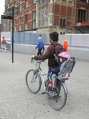 Father & Son (streamer020nl) Tags: amsterdam 020816 2016 holland nl nederland netherlands paysbas jongleur fiets bike cs vaderenkind fatherandchild