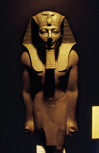 "Ägypten 1999 (276) Luxor-Museum: Statue Thutmosis III. • <a style=""font-size:0.8em;"" href=""http://www.flickr.com/photos/69570948@N04/28523625826/"" target=""_blank"">View on Flickr</a>"