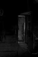 _DSC4153 tras las puertas (Rodo Lpez) Tags: blancoynegro bn bembibre puertas luz rayoluz contraluz nikon naturebynikon nikonistas elbierzo castillayleon castillayleonesvida spain sentimientos espaa casasantiguas casas excapture