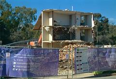 Frame 20.jpg (njcull) Tags: 35mm c41 canberra canoneos33 ef28105mmf3545usm film gc400 kodak kodakmax400 lyneham max400 northbourneavenue owenflats demolition australiancapitalterritory australia