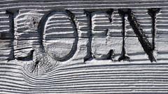 Wegweisend (gatierf) Tags: wegweiser norway nordeuropa nordfjord holz