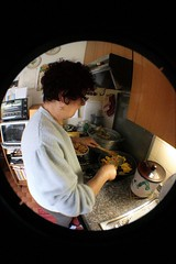 Cooking (Ale Mattarozzi) Tags: uman mom mouse hamster body home house color life day canon sun photographics fisheye cooking arm animal zoom city casa face things holiday hand kitchen light object