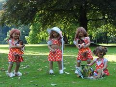 Kindergartenkinder ... (Kindergartenkinder) Tags: dolls himstedt annette kindergartenkinder park garten annemoni tivi hortensien blume pflanze blumenbeet personen gruppenfoto kind sanrike milina outdoor leleti