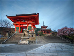 Entrance to Kiyomizu-dera (David Panevin) Tags: trees sky japan buildings temple pagoda kyoto path steps entrance olympus sakura gion e3  kiyomizudera hdr 3xp sigma1020mmf456exdchsm handheldhdr higashiyamaku davidpanevin