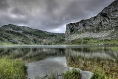 Lago La Ercina,(Lagos de Covadonga) (ermukoa) Tags: espaa agua sony asturias lagos fotos alpha hdr covadonga cangasdeonis a580 dslra580