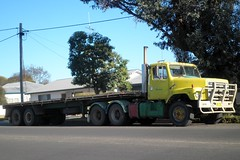 SF2670 Hillston 2012 (atkinson3800) Tags: flat top australian s line semi international lorry motor aussie 2600 bogie 2012 ih inter sline 2670 daycab hillston
