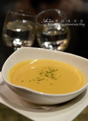 峇里島主題餐廳012.jpg