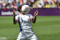 Laura Georges (French Frog Photography) Tags: uk england sports football action soccer coventry olympicgames edf london2012 bronzemedal jeuxolympiques2012 frogphotography canon7d canwnt équipedefranceféminine frawnt pitchsidereport frwnt laurageorges