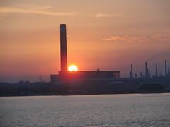 sunset (raxmk1) Tags: sunset station power solent southampton isle refinery wight calshot fawley