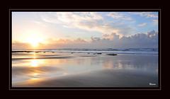 Soleil 1 (jlouphierro) Tags: sea sun mer sol beach water soleil mar sonnenuntergang wave playa morocco maroc sole paysage vague vagues plage paesaggio coucherdesoleil paisage couchersoleil marueco d300s nikond300s coricaredisole