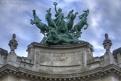 Immortal (J.P | Photography) Tags: life wallpaper horse paris france statue architecture cheval photography 50mm nikon angle 14 capital ps jp immortal franais hdr parisian chevaux grandpalais parisienne parisien jpphotography limmortalitdevanantletemps bigpalais