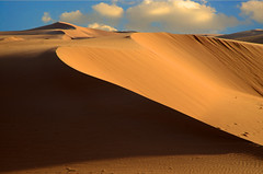 THE SHADOW OF SANDS (SAUD ALRSHIAD) Tags: light shadow sky nature lens landscape nikon ngc line saudi saud    landscab   nikonflickraward nikond7000  saudalrshiad