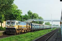 Matsyagandha Exp. (B V Ashok) Tags: indianrailways ir matsyagandha superfast express lttmao mumbaimangalore kundapura kuda konkan kr ed erode emd wdp4d 40175 12619