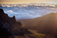Haleakal sunrise (akarakoc) Tags: sunrise haleakal haleakala hawaii crater vulcano sun rise fujifilm xt1 maui 55200 xf55200