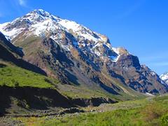 Naturaleza,cordillera andes,Chile (Gabriel mdp) Tags: montaas cordillera andes region metropolitana cajon valle rio volcan nieve paisaje contrastes nature chile
