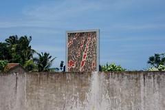 DSC05765 (nomiegirardet) Tags: slaves esclave marche colonialisme souffrance animism vaudou ouidah bnin afrique africa totem walk rituel symbol monument