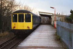 19870224 001 Croxley Green. BRCW Class 104 DMBS 53536, And DTS 54179, Wait To Depart With The 16.18 to Watford Junction (15038) Tags: dc cg br trains disused railways britishrail watford lnwr disusedrailways croxleygreen westwatford watfordwest lostlines croxleybranch