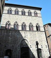 Monte dei Paschi (One of World's Oldest Banks) Siena Italy (mbell1975) Tags: italy building italia banco bank worlds siena monte oldest dei paschi