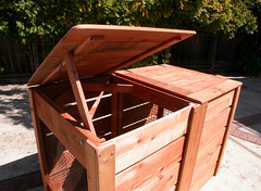 "2-Bin Montessori Compost Bin - top prop • <a style=""font-size:0.8em;"" href=""https://www.flickr.com/photos/87478652@N08/8048002126/"" target=""_blank"">View on Flickr</a>"
